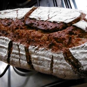Schwedisches-Sauerteig-Honig-Brot