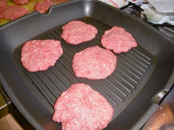 Patties in der Pfanne