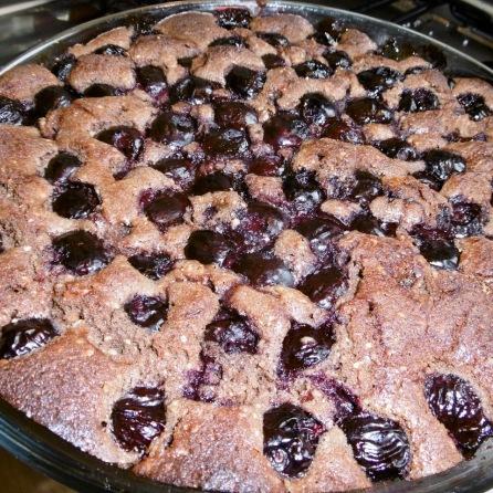 Schoko-Kirschkuchen aus dem Ofen