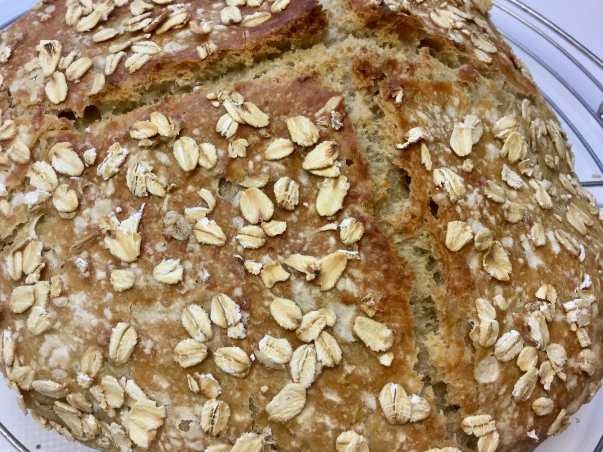 Keine-Zeit-Brot mit Haferflocken