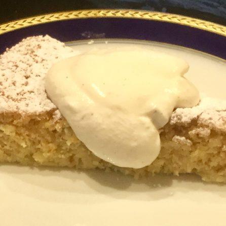 Ricotta-Orangen-Kuchen mit Sahne